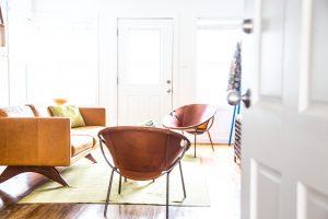 Luxury sober living bungalow in Santa Monica - livingroom