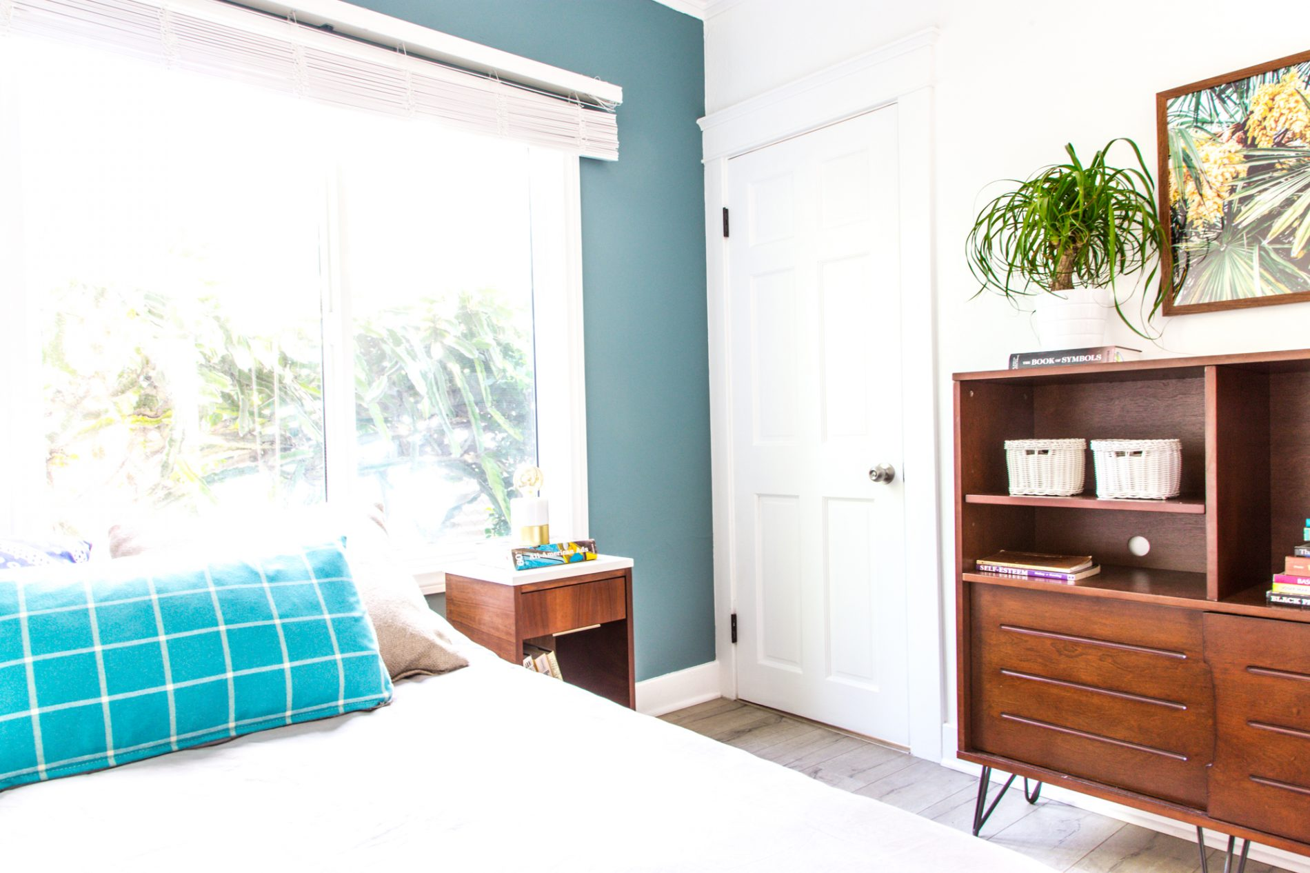 recover-integrity-sober-living-bedroom-blue