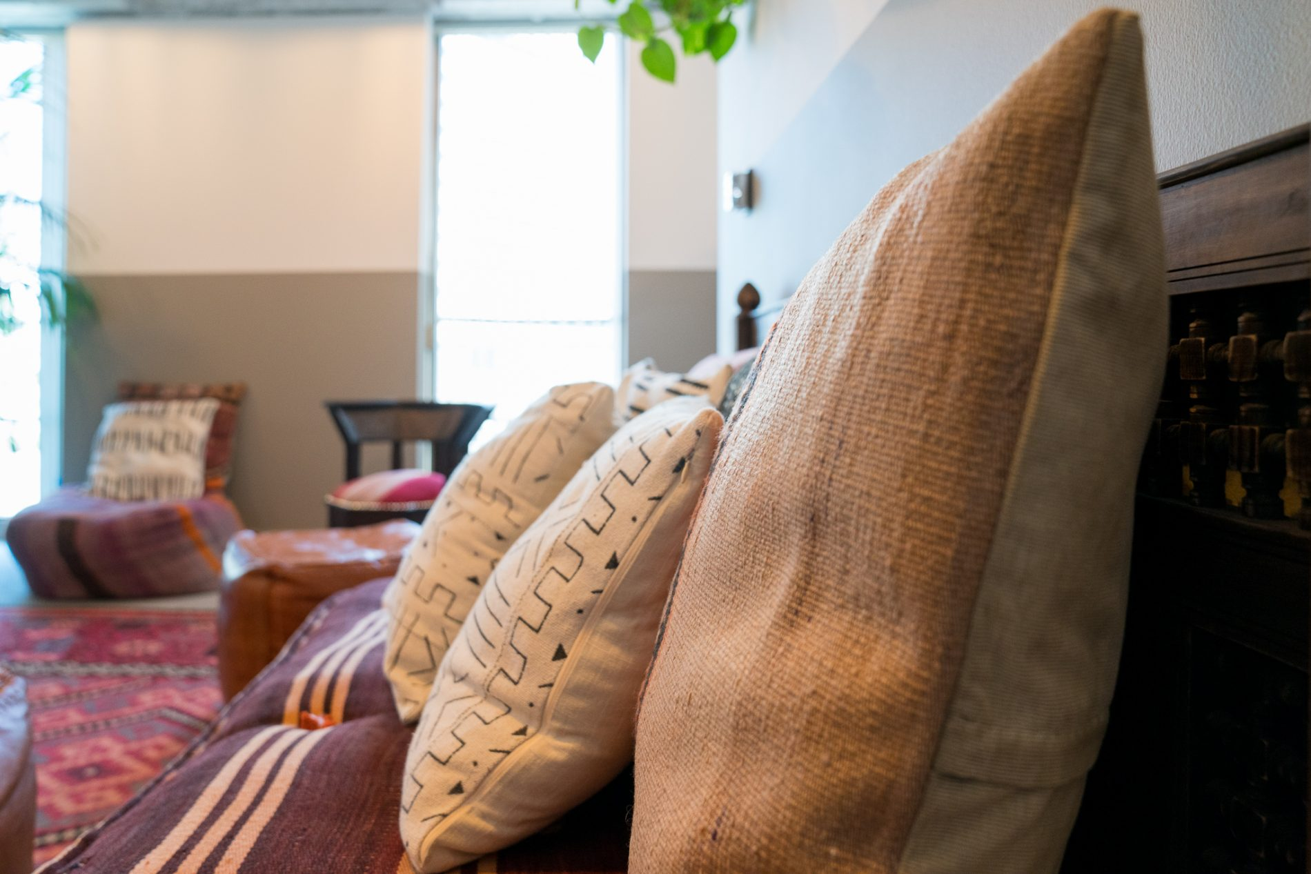 luxury retreat recovery center, pillows